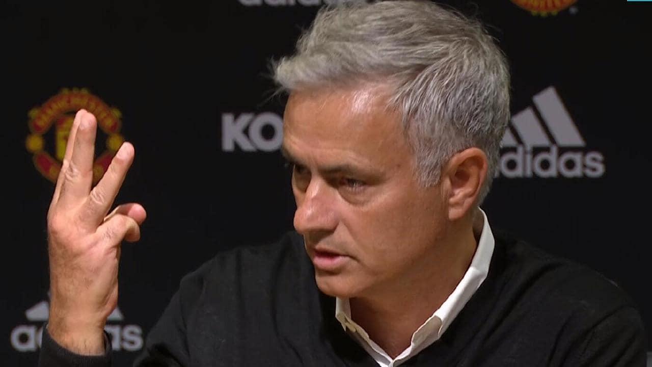 jose three fingers - Juve defeat: Angry Ronaldo adopts Mourinho's reaction