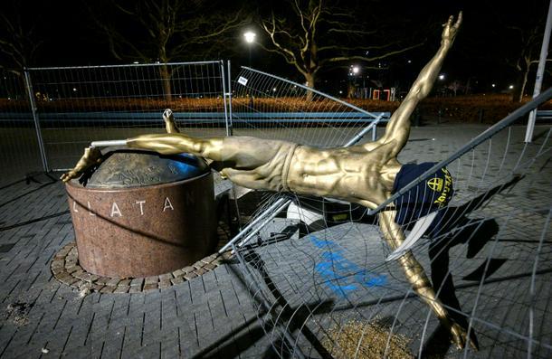 The statue of Zlatan Ibrahimovic in Malmo has been attacked again - Zlatan Ibrahimovic statue vandalised again