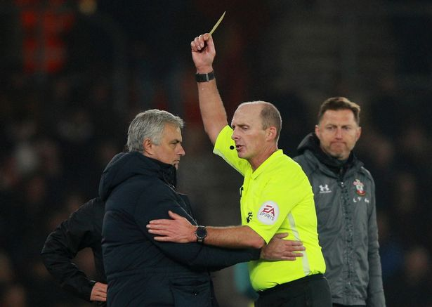 mour 1 - Mourinho brands Southampton coach 'an idiot' after being booked