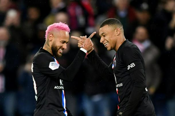 Kylian Mbappe and Neyma - Ligue 1: Could Neymar, Mbappe antics derail PSG campaign?