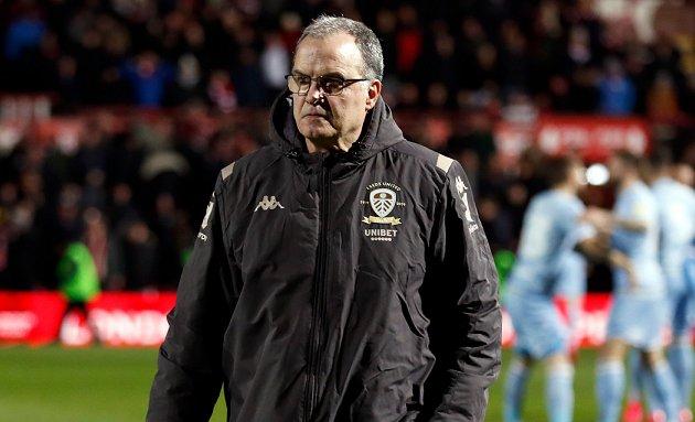 Leeds Utd manager Bielsa kicks against fans returning to stadiums