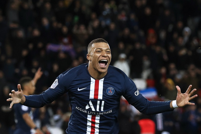 Mbappe fires PSG to top of French league