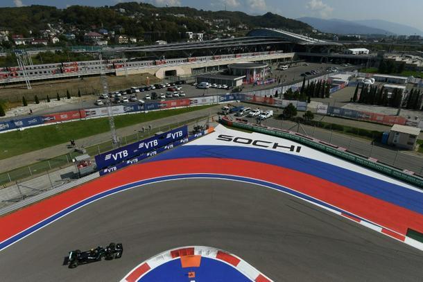 Russian Grand Prix: Bottas on top, Hamilton second in practice runs
