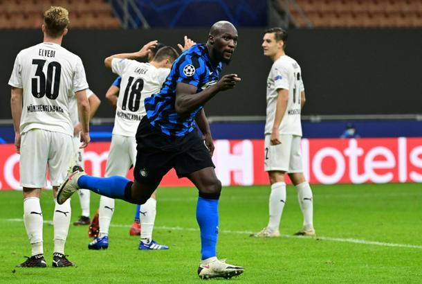 Late Lukaku goal helps Inter draw against 'Gladbach