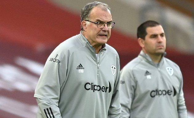 Leeds boss not considering contract talks now