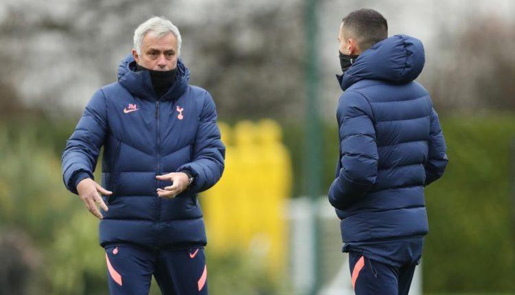 Jose-Mourinho-201206-Training-G1050