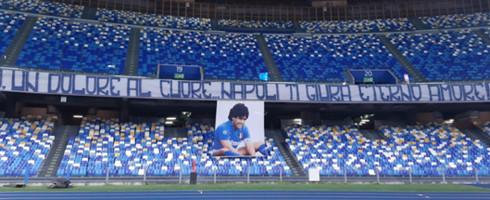 Maradona-Stadio-2011-epa