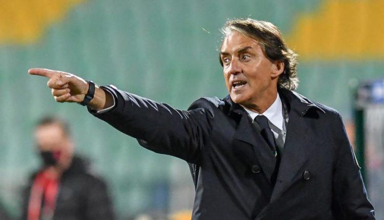 Mancini-210329-Pointing-G1050