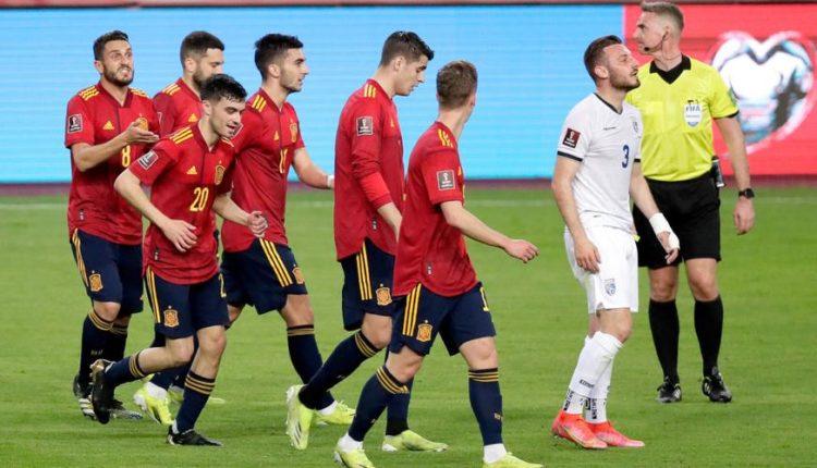 Spain-210331-celebrating-R-1050