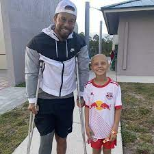 tiger woods with cancer patient luna