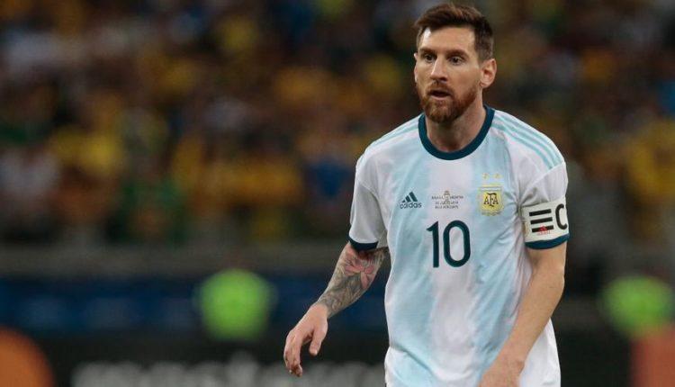 Lionel-Messi-2019-LooksOn-G-1050