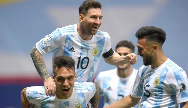 Lionel-Messi-210706-CelebrateswithMates-G-1050