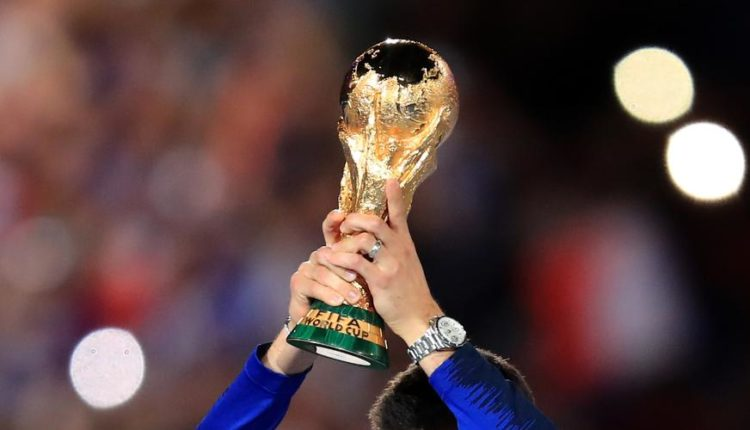 FIFA-210910-World-Cup-Trophy-G1050