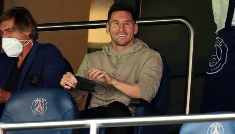 Lionel-Messi-210911-Watches-G-1050