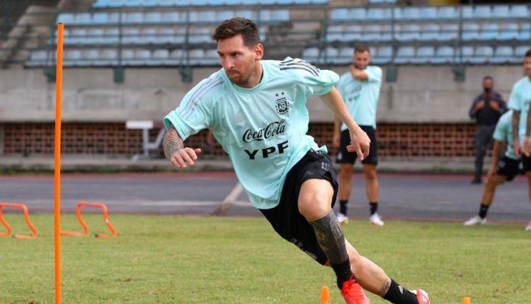 Messi-210901-Training-G1050