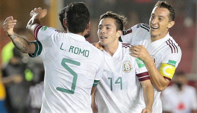 Mexico-210908-celebrate-R-1050