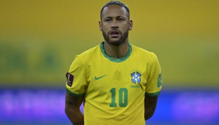 Neymar-210909-LiningUp-G-1050